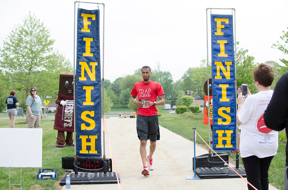 Finish Line at the Dress for Success Power Walk South Central PA 2015