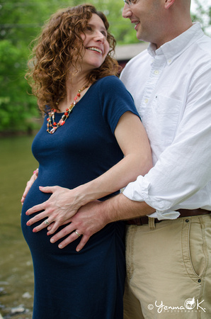 Maternity pose with husband Yenma K. Photography